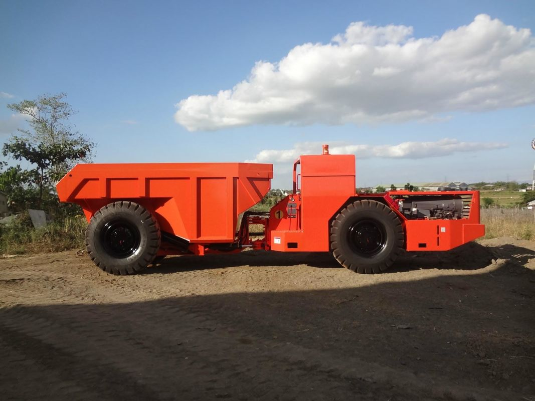 7cbm Or 15 Tons Bucket Capacity Underground Mining Dump Trucks , RT-15 Low Profile Truck